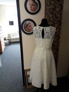 Brautkleid oben unschuldig unten frech - Pure Eleganz