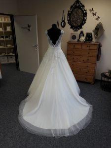 Ein Traum in Weiß! Brautmode zum Träumen in Leer